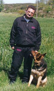 Joseph Ortega, auteur de nombreux ouvrages sur les chiens